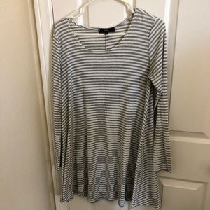 Vibe Longsleeve T-Shirt Dress